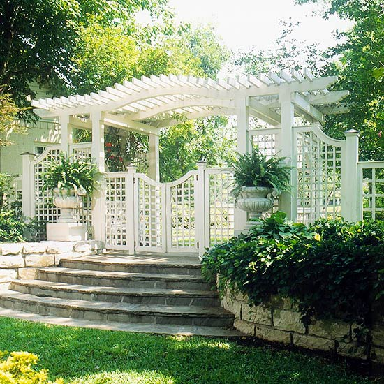 Lattice fence panels and trellis ideas for garden backyard and space around the house - Backyard trellis designs photos ...