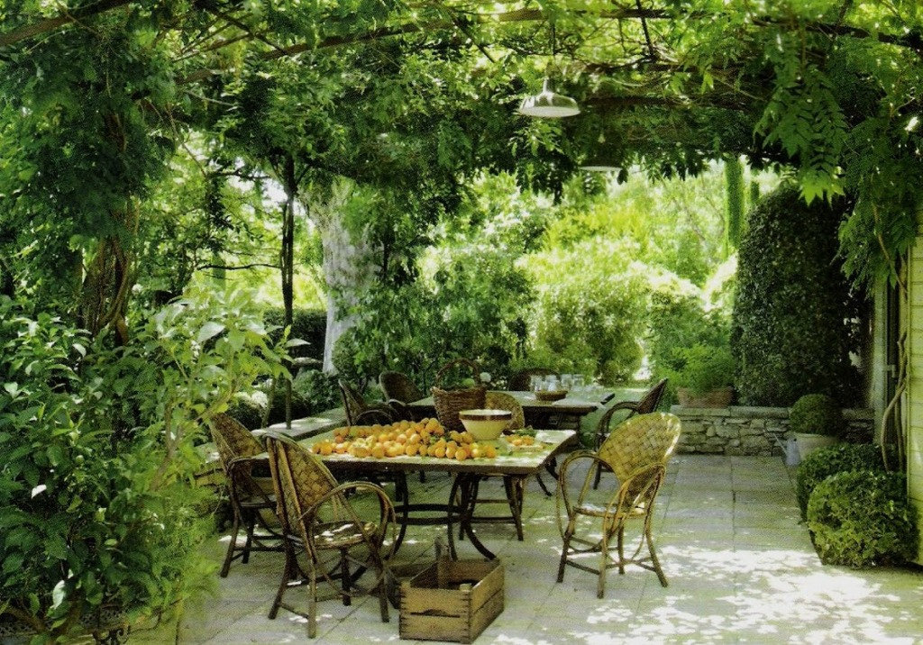 An italian patio for an italian themed garden hacked by Beautiful garden patio designs