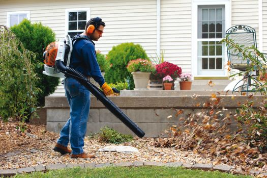 autumn-leaf-blower
